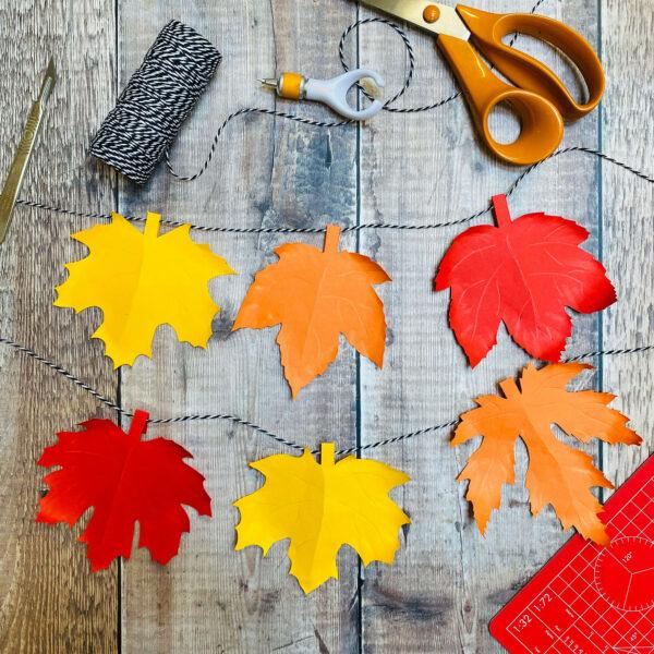 Autumn leaf garland PDF